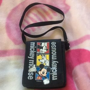 Handbags - 🦋Mickey Mouse crossbody bag
